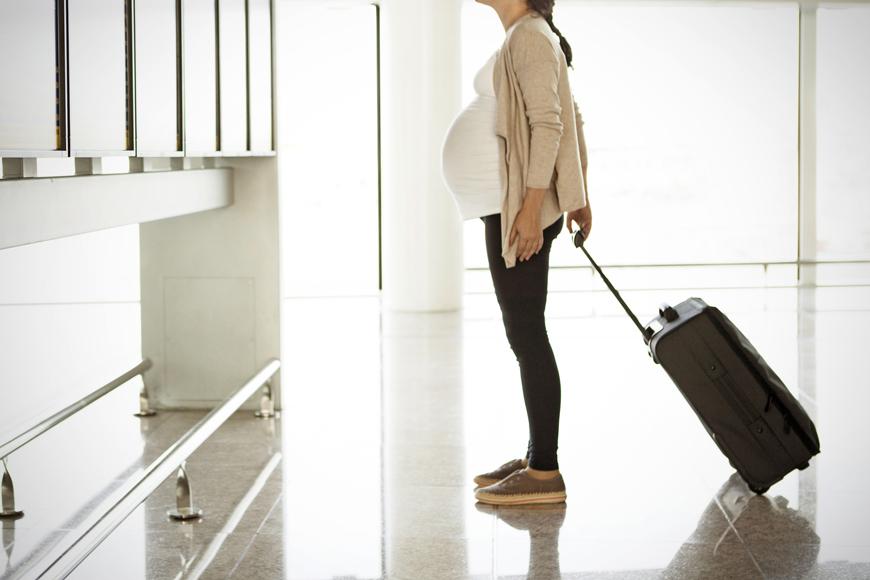 دليلك للسفر وأنت حامل