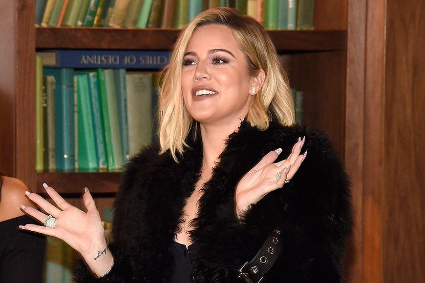 Khloe Kardashian finally announces her pregnancy