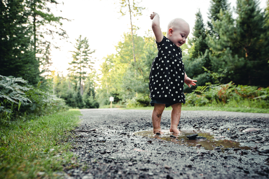 Here's Why You Should Let Your Tot Play In Dirt