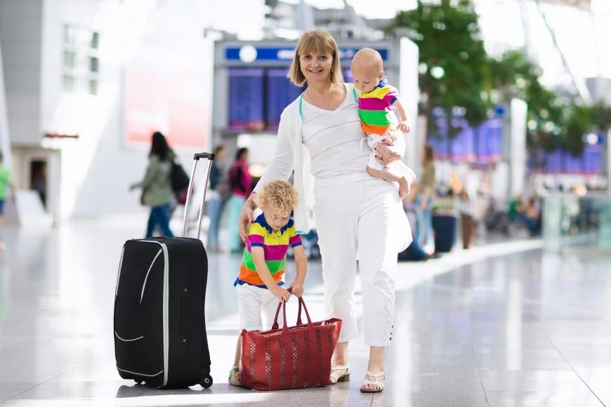 السفر بالطائرة مع طفلك