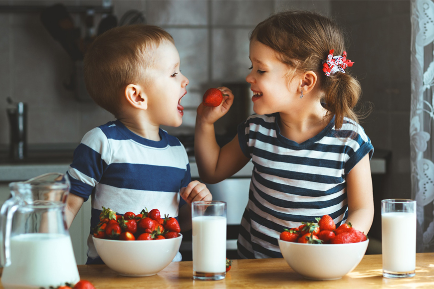 8 Ways To Make Sure Your Children Are Eating Healthy Snacks