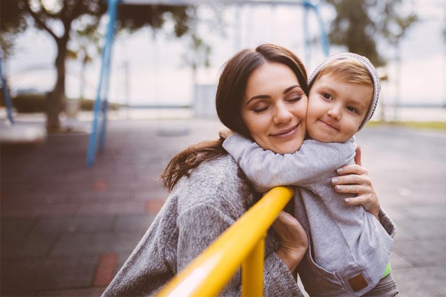 كيف بدأ عيد الأم ومتى يتم الاحتفال به حول العالم؟