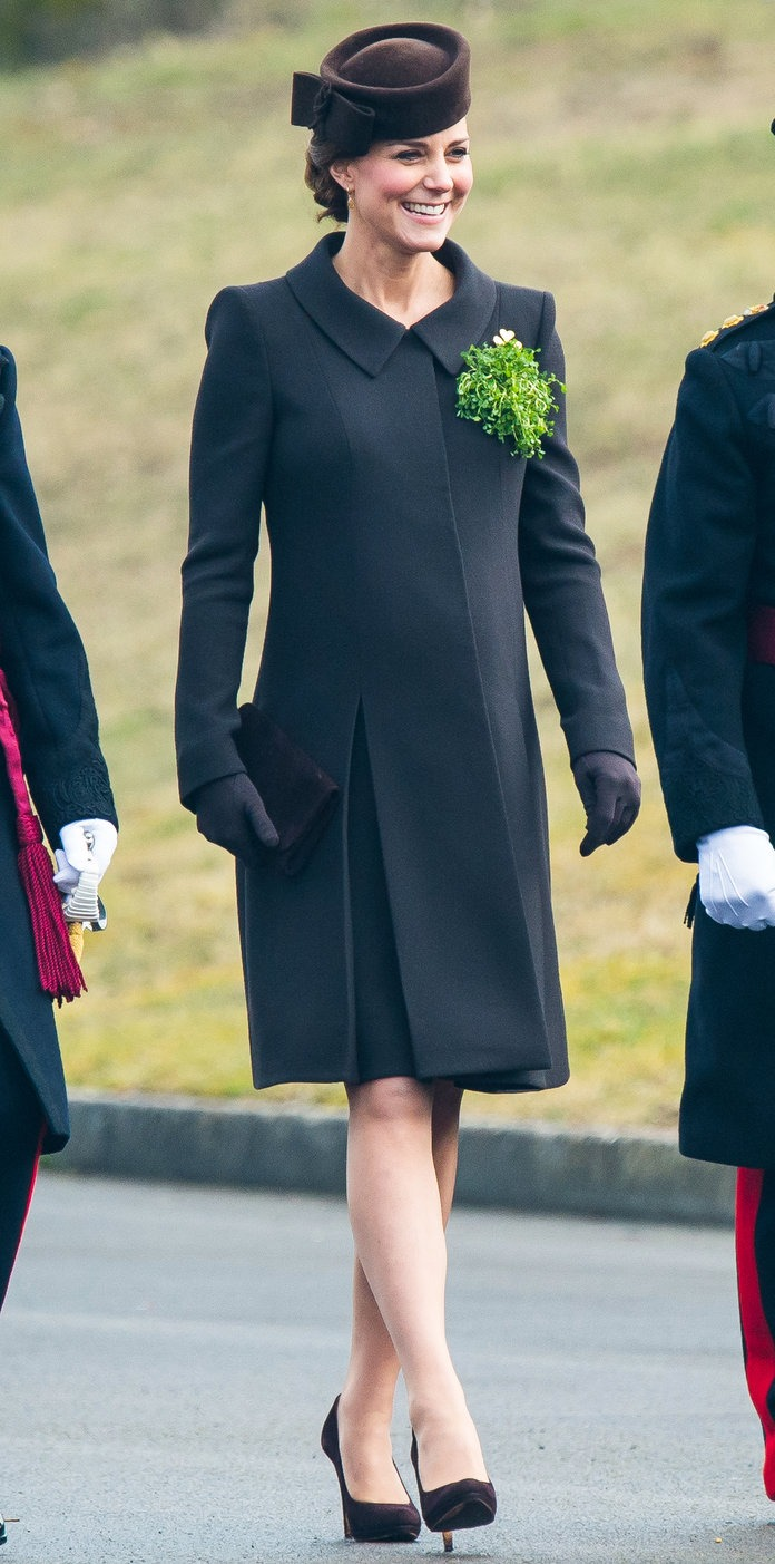 We love the touch of green on that brown Catherine Walker coat.