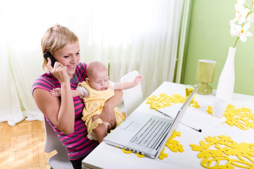 الموازنة بين وظيفتك في العمل و دورك كأم