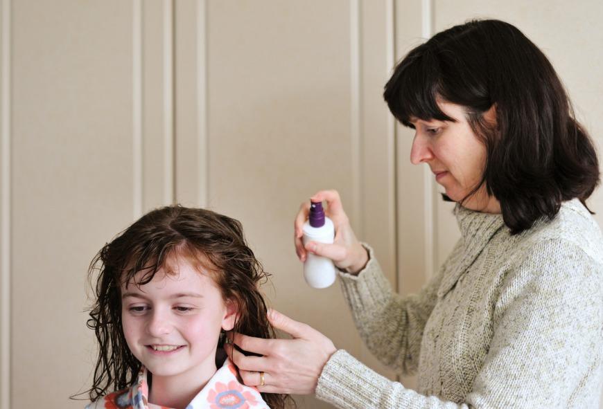 معالجة قمل الرأس عند أطفالك.