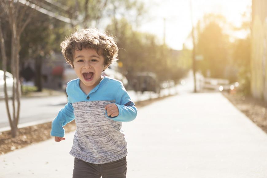 مراحل نمو الطفل البالغ من العمر 4 سنوات