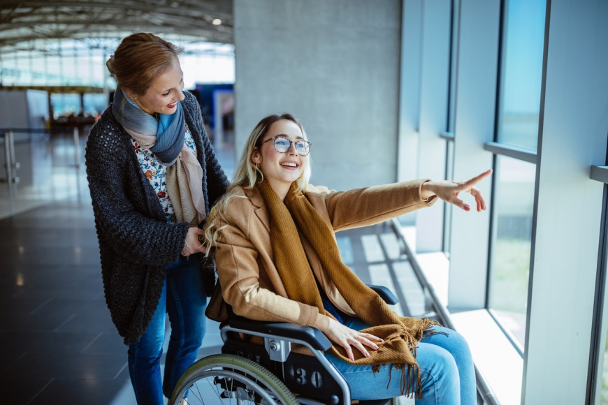 Support for people or children travelling with disabilities