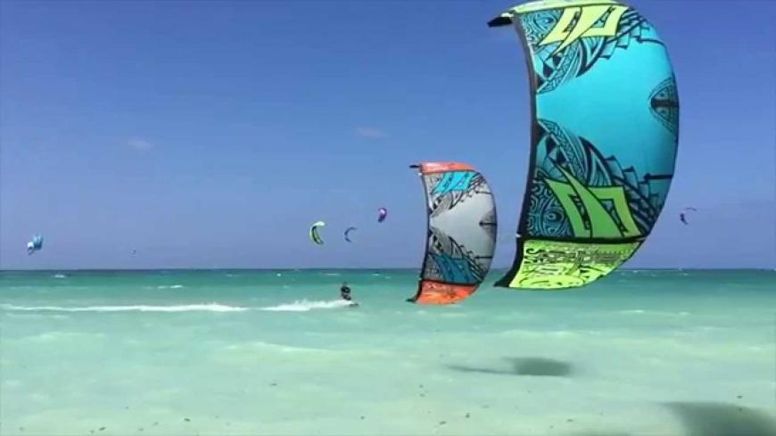 Kiteboarding at Kite Beach