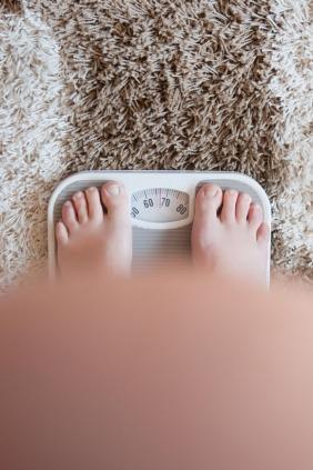 كيف يؤثر الوزن الزائد على الحمل؟