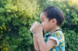 6 Genuinely Helpful Tricks for Getting Kids to Drink Enough Water in Hot Weather