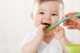 5 Sure Signs Your Baby Is Ready For Solid Food