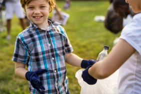 5 Ways To Encourage Your Child To Give Back To The Community