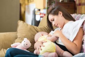 فوائد الرضاعة الطبيعية لأكثر من عام