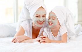 قضاء وقت الأم وابنتها