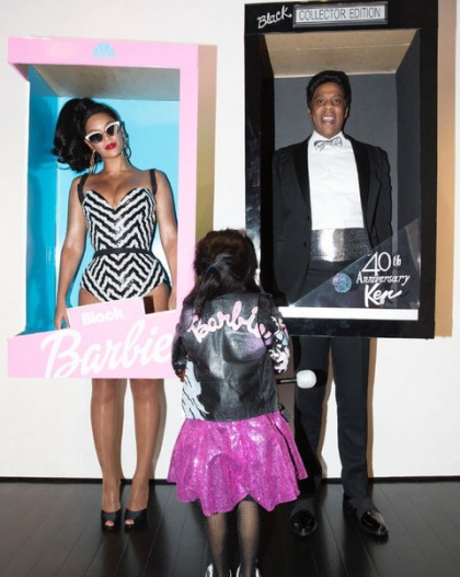 Halloween Costumes Ideas For Family Of 5.Family Halloween Costumes Inspired By Your Favourite