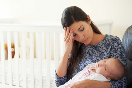 الاكتئاب بعد الولادة