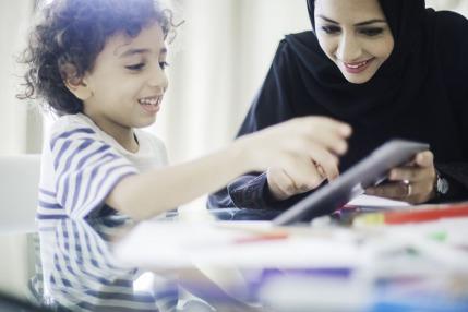 خدمة حماية الطفل في دبي تستهدف الأطفال والأسر