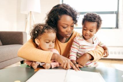 تربية طفلك ثنائي اللغة