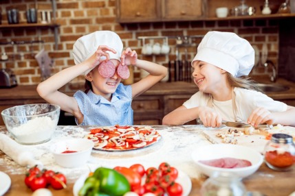 Weekly Meetup: Enjoy A Valentine's Lunch With Your Little One